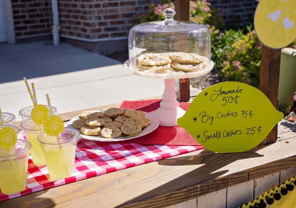 kids lemonade stand treats