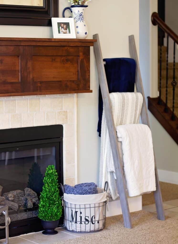 blanket ladder for blanket storage and organization