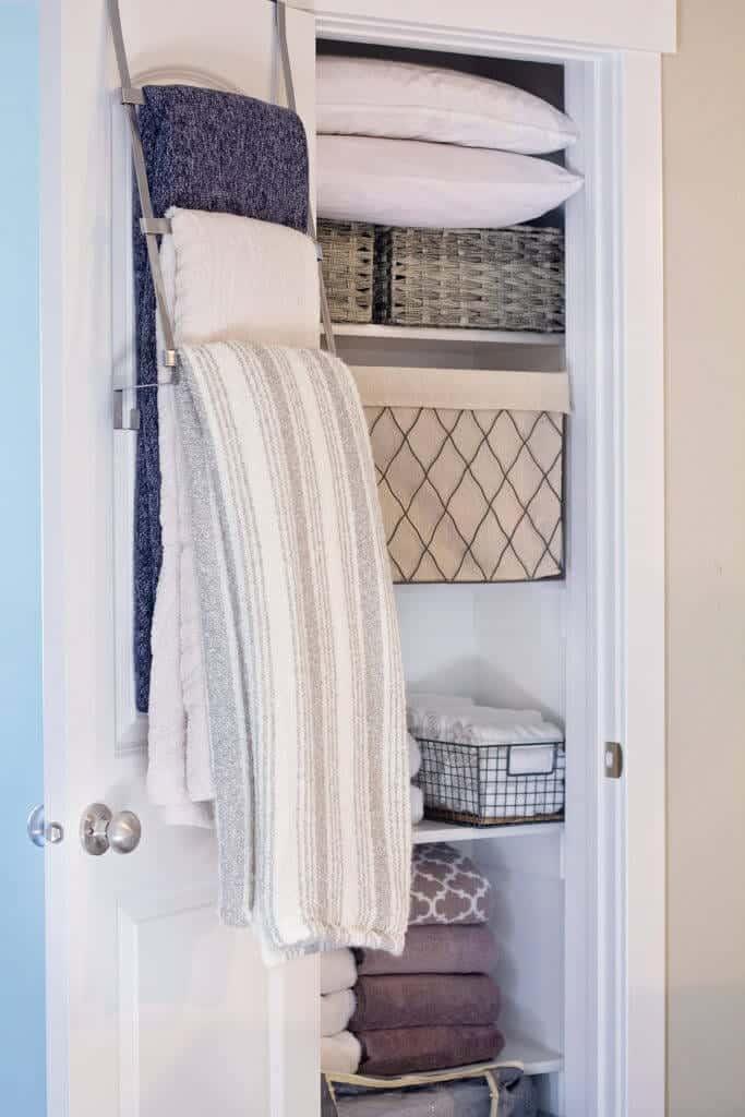 over the door blanket storage