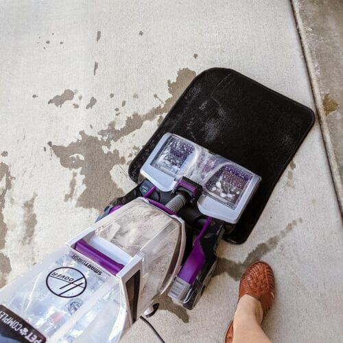How to Clean Carpets in Your Car: Basic and Advanced Tips